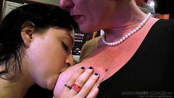 Mommy teaching! - Eve Minax and Dixon Mason 6分钟