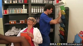 Slutty milf doctor (Phoenix Marie) takes any dick any time - BRAZZERS thumbnail