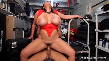 busty Angelina Castro fucks and takes cumshot in bike garage صورة