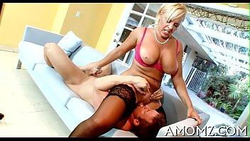 Mature thumbs in - Sex addicted mama in a hot action