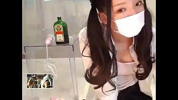 Une femme Japonaise belle sur livecam mature salope pipe et baise