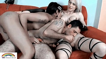 1,2 and 3 want to have sex with all ( Full vídeo in xvideos red )