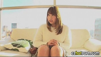 Suzu Ichinose feels the inches in her mouth during POV