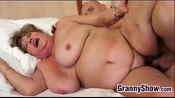 Big Grandma And Her Younger Lover Fucking Vorschaubild