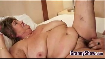 Thin boys fuck fat women - Big grandma and her younger lover fucking