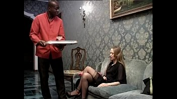 Smoking white slut wants to be fucked by her black servant 14分钟