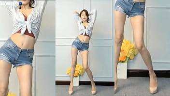 Gái Hàn Quốc nhảy khiêu vũ gợi cảm