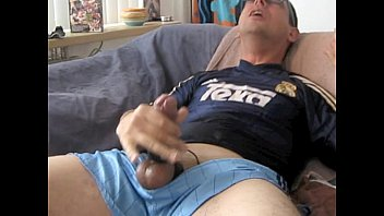 Amazing Cumshots:1.2GB