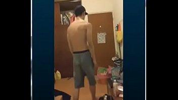 Poses de gays - 台灣街舞超級帥哥發情 裸體擺pose給你看