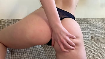 wet pussy fingering bottom view 8分钟