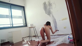 BABY NICOLS PAINT MY OFFICE AND I PUT A FINGER ON HER ASS AS REWARD, THE SHE SQUIRTS! AND SHE DANCE! SO HOT!