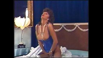 Teresa Orlowski (Foxy Lady 1) 87 min