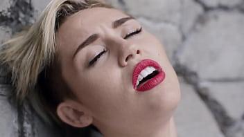 Miley Cyrus   W recking Ball