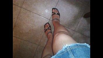 Falda y tacones