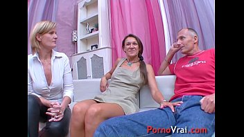 Two girls and one boy v. orgasm!! French amateur 21 min