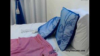 Hot Arab Princess Using Her Own Body - sexyfreecamz.com