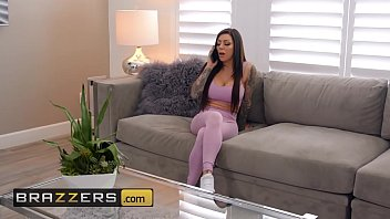 Big tits (Amber Jade, Karma Rx) gets their pussy wet - Brazzers