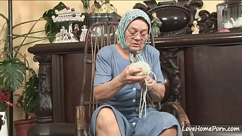 Old granny is still a cock thirsty woman 26分钟