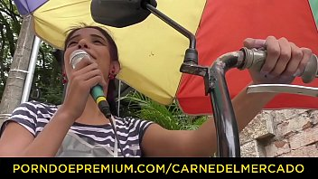 CARNE DEL MERCADO - Colombian latina babe gets picked and fucked good