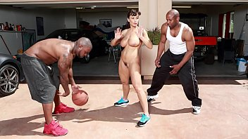 Naked pics of lisa raye Bangbros - interracial love and basketball with big tits milf lisa ann