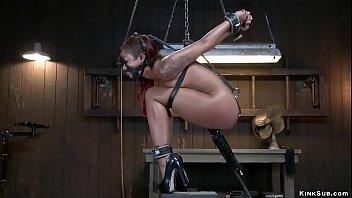 Hooked ass ebony gets machine fucked