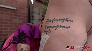 Arielle Aquinas touches her pussy while being tattooed