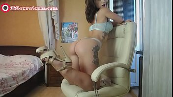 Sexy cam model Olivia deviline - Big ass camgirl live show