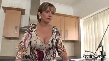Streaming Video Cheating english milf lady sonia shows her large hooters - XLXX.video
