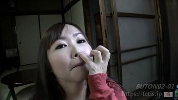 ムチムチ熟女の鼻ほじり(フェ血ス) 41秒