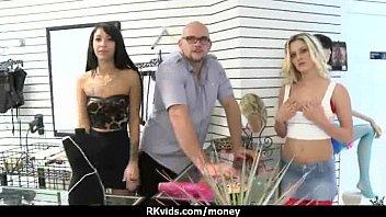 Amateur has sex for some quick cash 21 thumbnail
