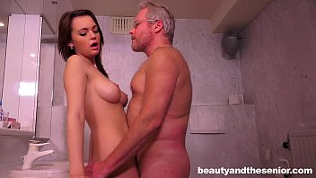 Teen Emily gets nailed by senior Jeffrey porno izle