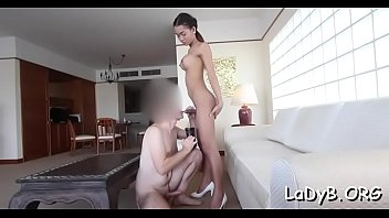 Fellow rams the thai tranny's butt