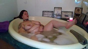 Hentai harpy - Bbw bubble-bath masturbation - zamodels.com