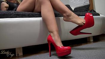 Foot Fetish &amp_ Dangling | Shoeplay Pumps High Heels