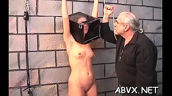 Pecker loving pungent minx is showing her body