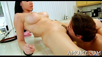 Juicy mature pussy gets spoiled 5分钟