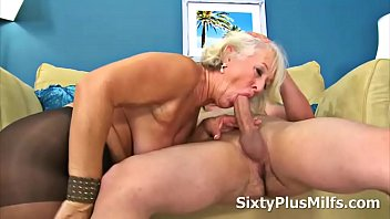 Mature ladies pantyhose - Mature lady gets banged by a youthful cock