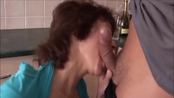 SAGGY TITS MOM LOVES ANAL porno izle