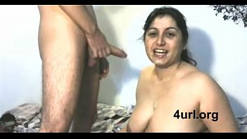 Fat arse mom suck cock - Desi nri cute mom sucking neighbour boys dick