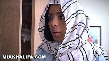 MIA KHALIFA -  Arab Expert Cock Sucker Gives Friend Blowjob Lessons Image