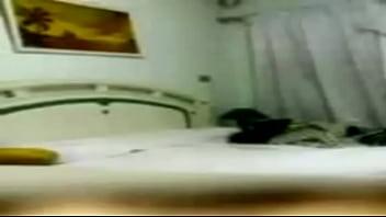 بيمسك الموزه يلعب فيها ويمراس الجنس معاها باوضاع ساخنه صورة