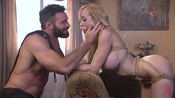 Milf in trouble : Brandi Love is tied up and fuck hard by a crazy fan Vorschaubild