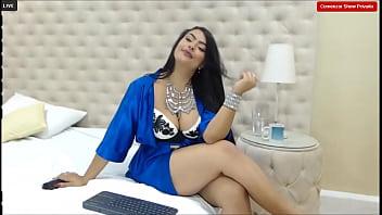 AdelaRioss- Glamorous and sensual 10分钟