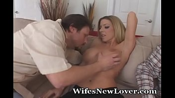 Fast And Wet Fuck For Desperate Wife