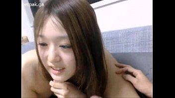 Cute asian blowjob for her boyfriend คลิปหลุดวัยรุ่นอมควยให้ผัว