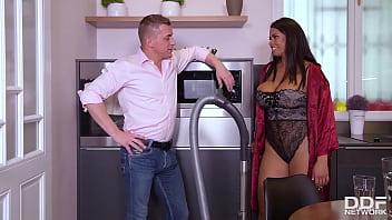 Rubenesque Brunette Housewife Chloé Tittyfucks Her Neighbor