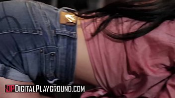 Bikini bar las vegas - Jasmine vega, duncan saint - red hot rodeo - digital playground