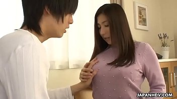 Clip sex Japanese cougar, Mirei Yokoyama gives a balls deep blowjob, uncensored