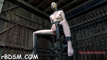 Hotty gets her anal prodded with toy drilling on her clits