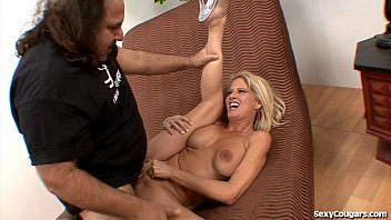 Sex cougar - Hot milf gets fucked by ron jeremy